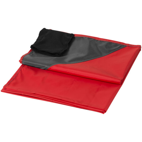 Stow-and-go water-resistant picnic blanket (10046002)