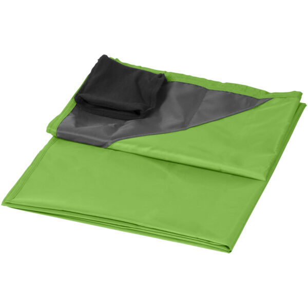 Stow-and-go water-resistant picnic blanket (10046003)
